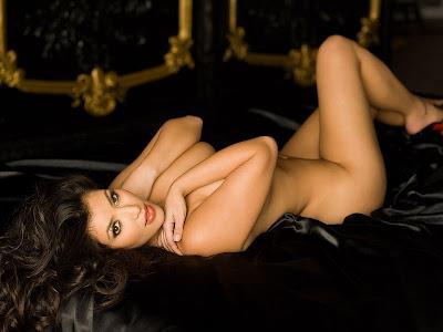 Foto Bugil Kim Kardashian Di Majalah Playboy Desember 2007