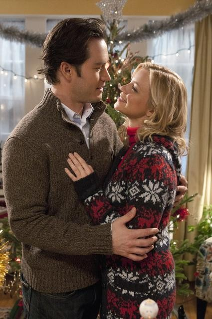 Amy Smart Talks 12 Dates of Christmas - Hollywood the Write Way