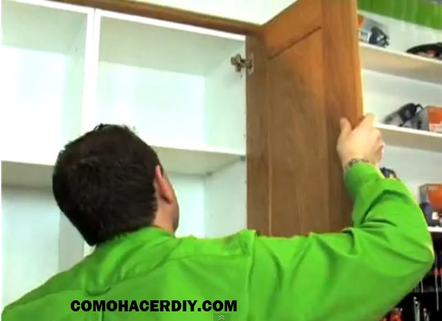 Mueble de cocina instalaci n de puertas v deo 5 web del for Como hacer una cocina