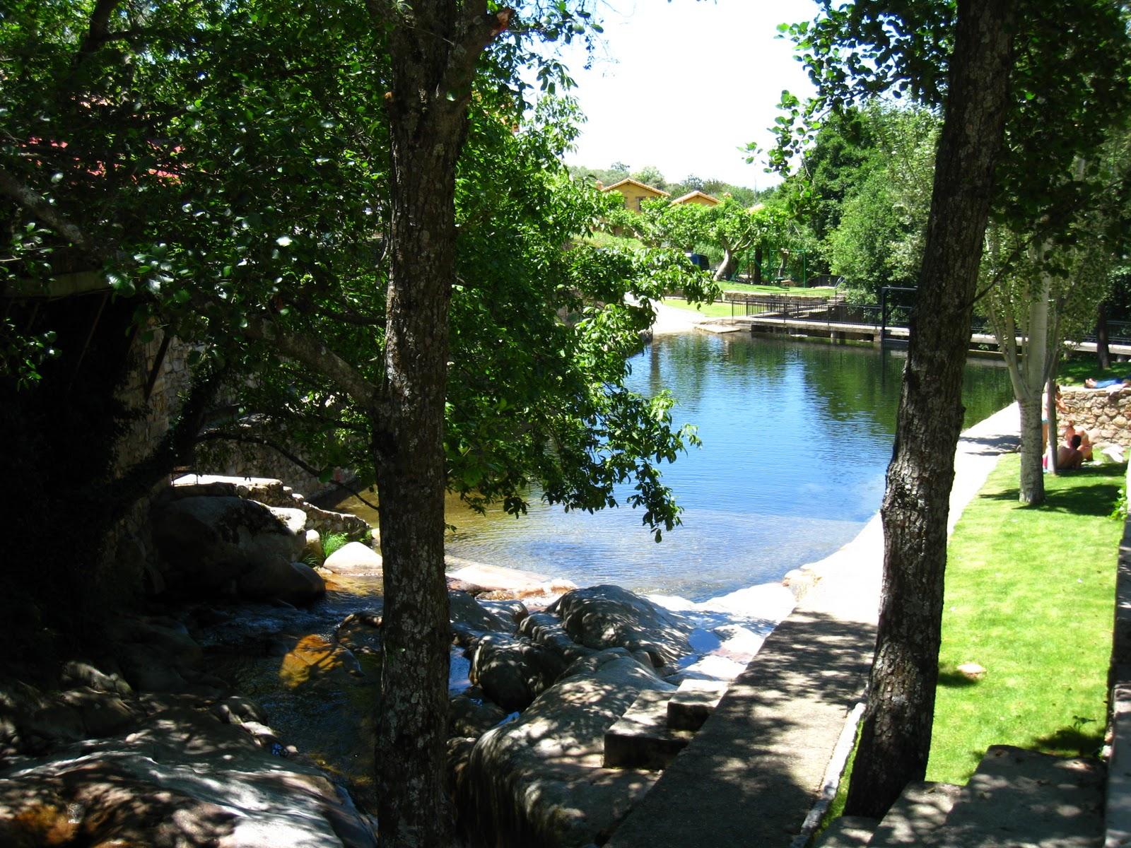 piscinas naturales casas del monte valle del ambroz