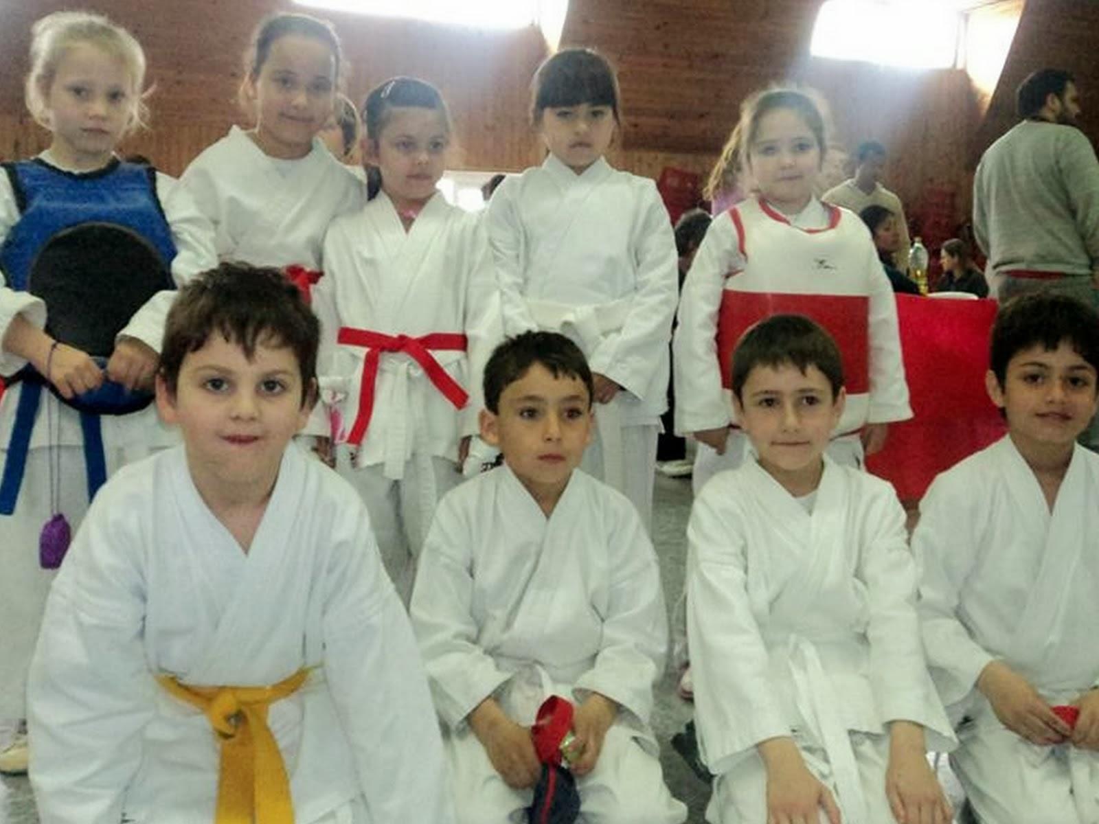 Parte de los Niños de la Escuela Municipal