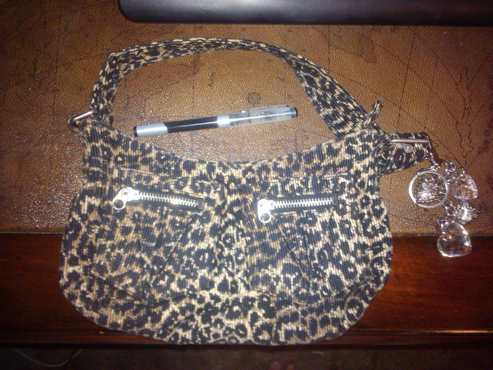 http://4.bp.blogspot.com/-So9zbkWHhiY/TiZqsrMMU2I/AAAAAAAAALk/J4LdszQ6yVs/s1600/purse.jpg