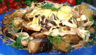 Лесные грибы с курицей и сыром