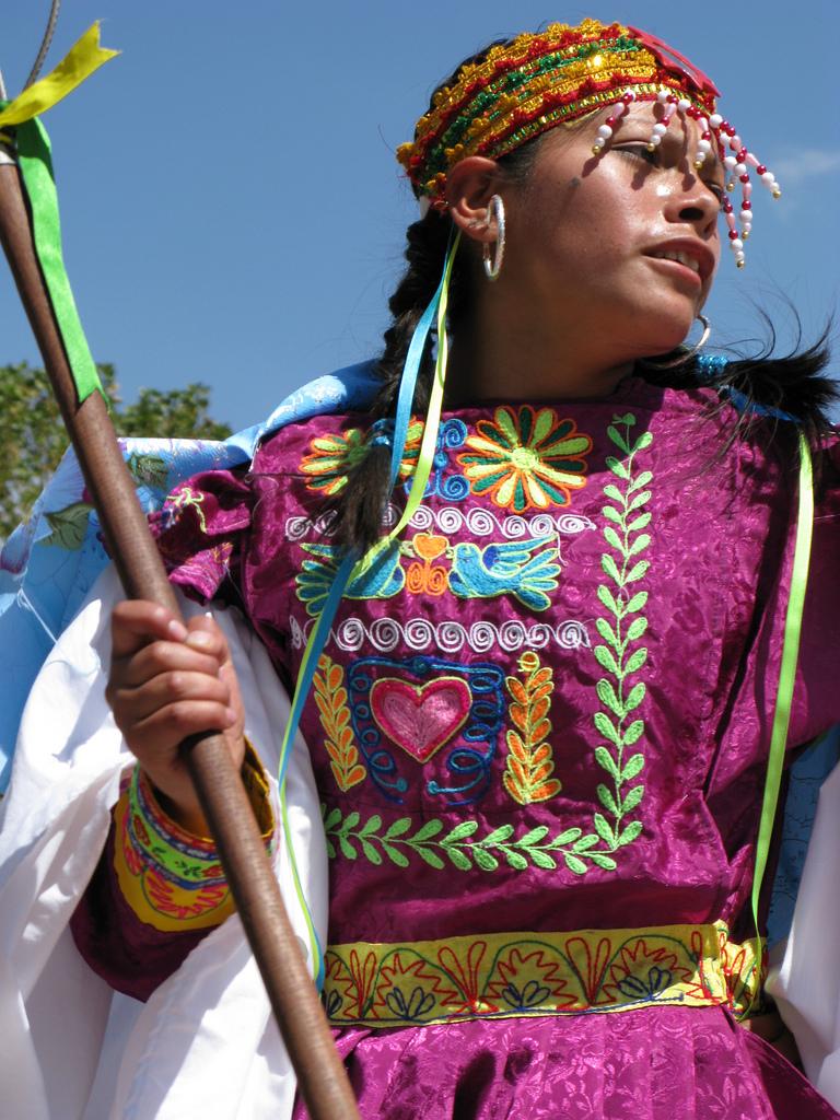 Chile girl peruvian man and hidden camera