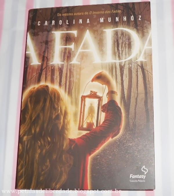 Resenha, livro, A Fada, Carolina Munhóz