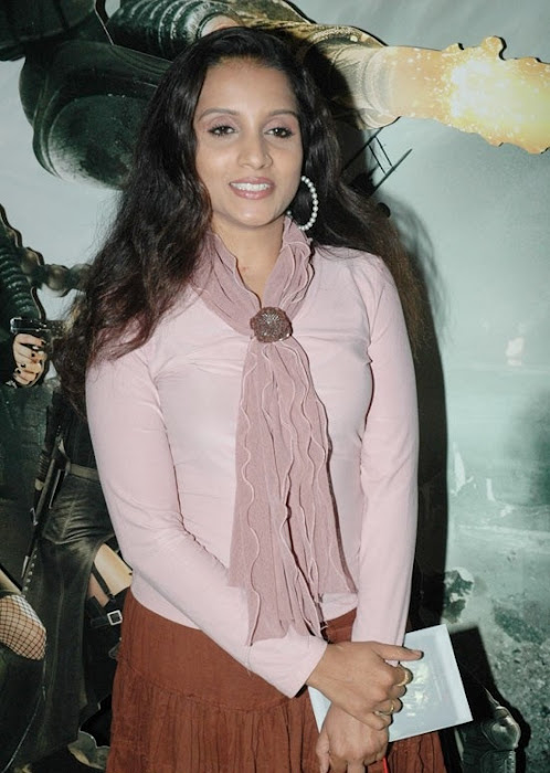 ammu tv in sucker punch hollywood movie premiere hot images