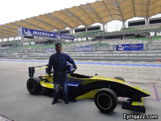 http://4.bp.blogspot.com/-SoPt5m4se6E/UEx2tBEv8EI/AAAAAAAAWZk/4cdLbh3iY4w/s1600/Michelin+Pilot+Experience+2012+1.JPG