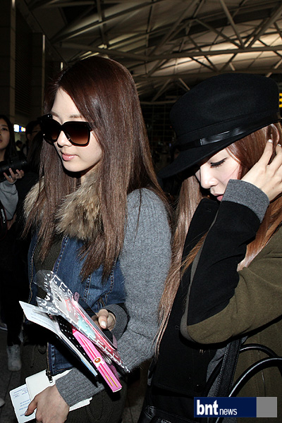 SNSD Airport Fashion - Seohyun & Tiffany