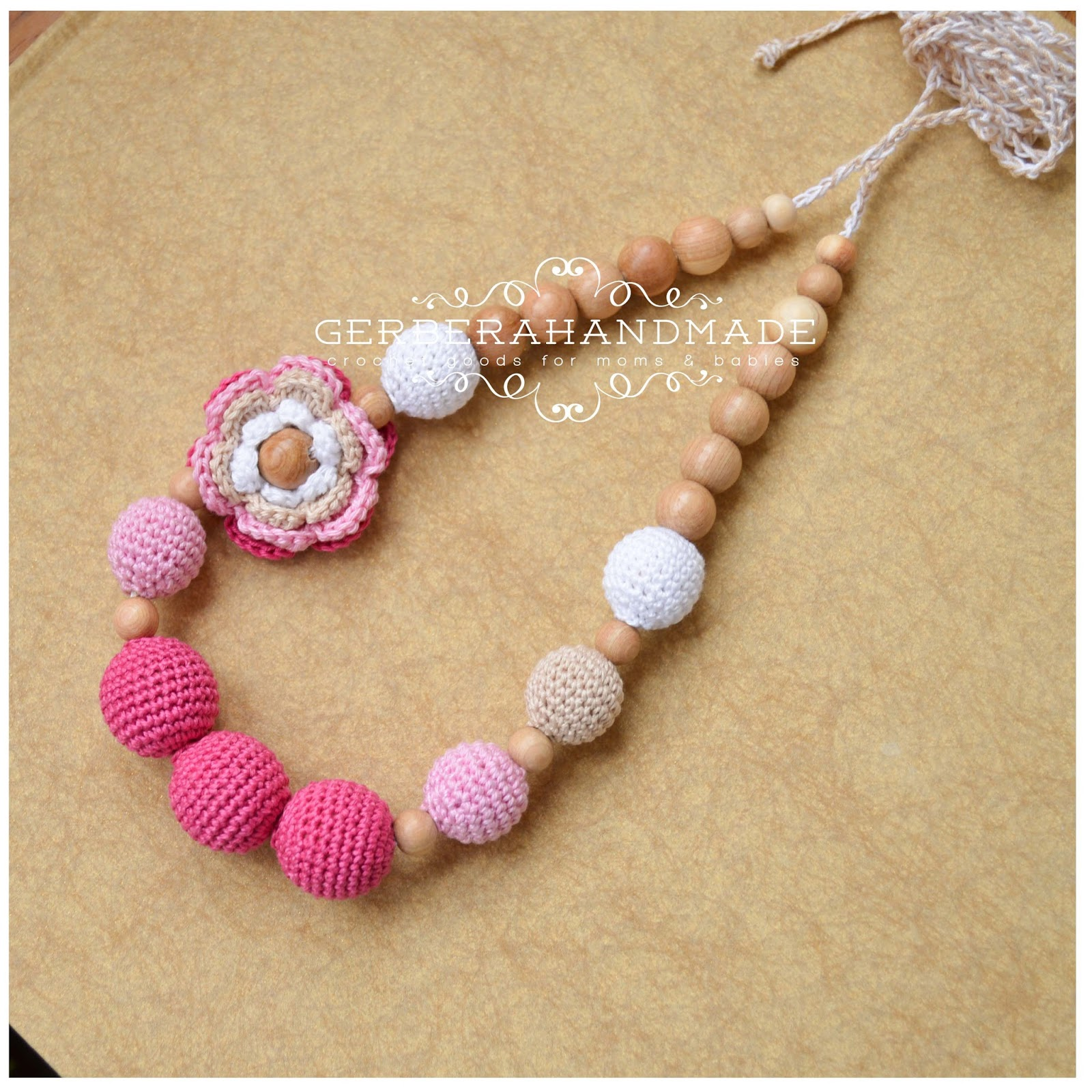 teething necklace with flower