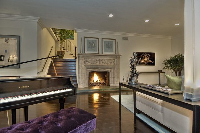 photos of john lennon's hollywood hills villa home in los angeles california