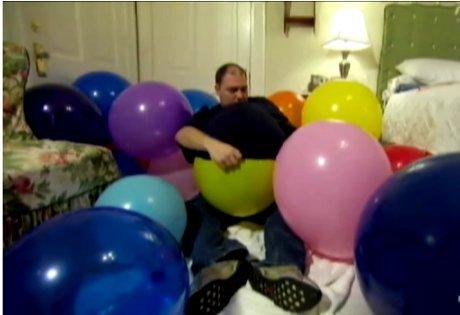 Bercinta dengan Balon