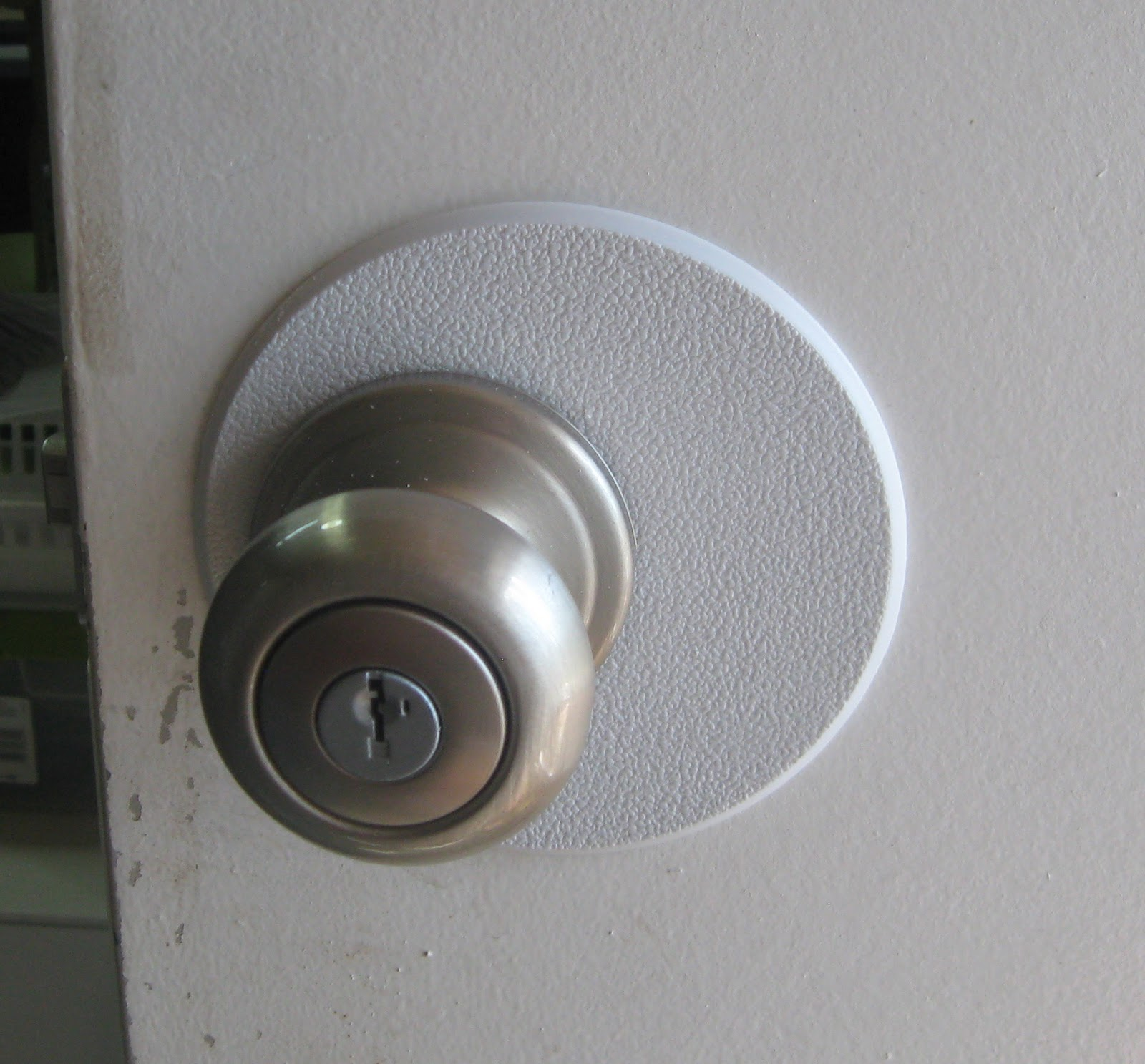 Exceptionnel New Door Knob With Nifty Patch Job!