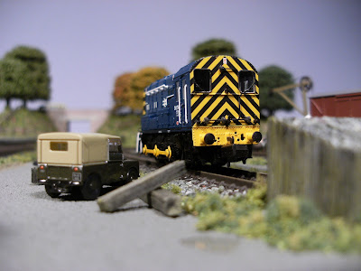 N gauge class 08 shunter 08 748 at the end of a siding