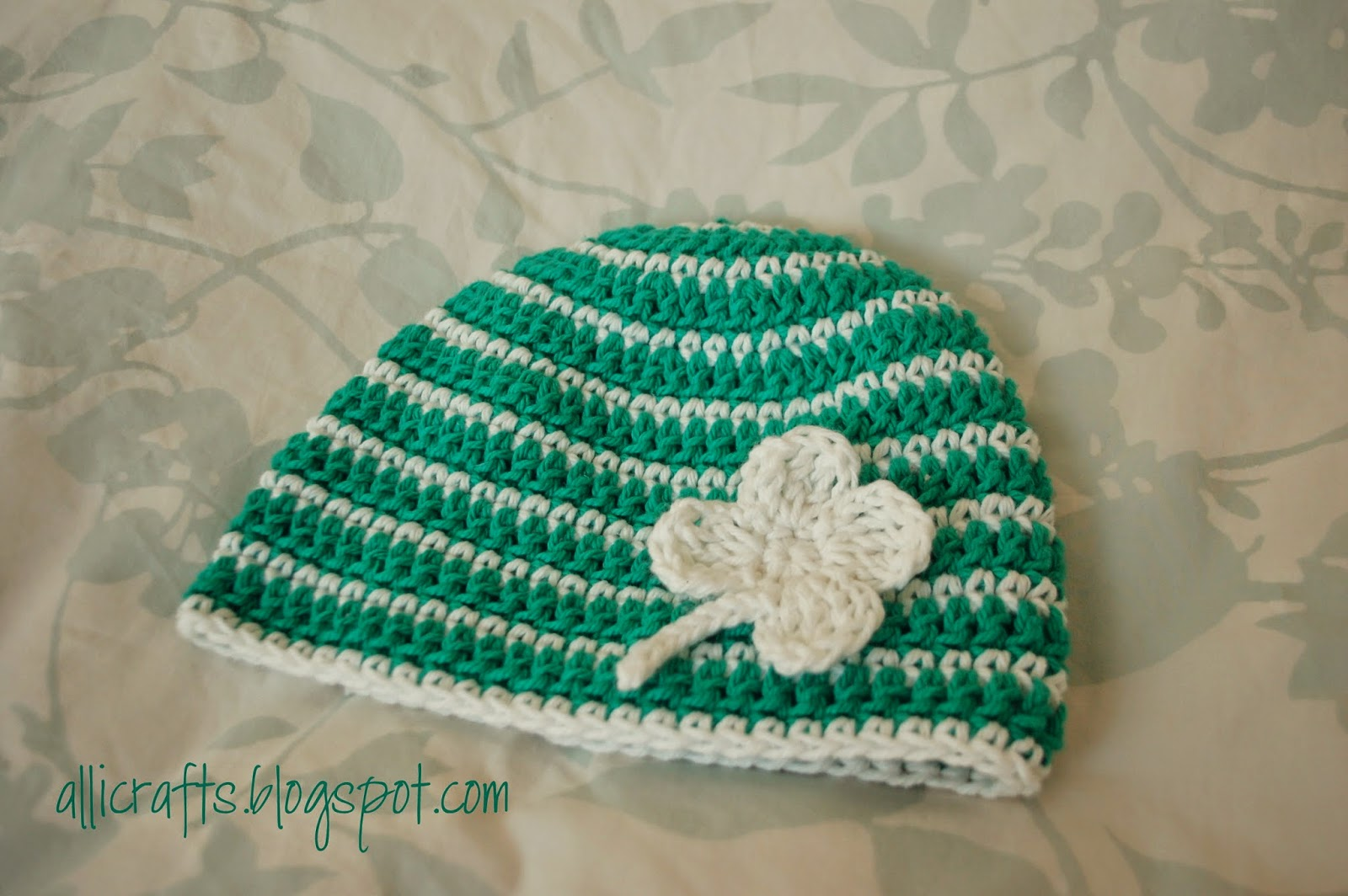 Alli Crafts: Free Pattern: Thick and Thin Striped Beanie - 9-12 months