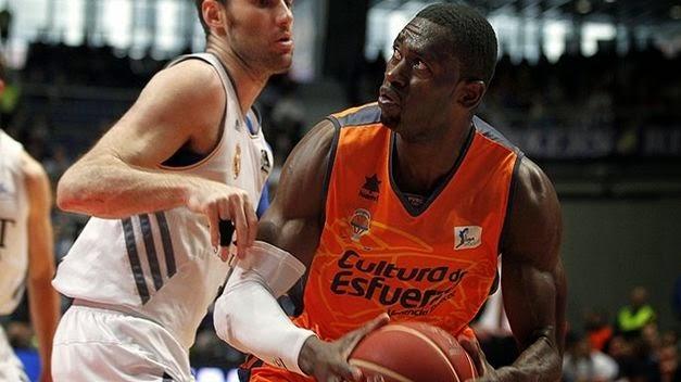 El Valencia Basket rompe la imbatibilidad del Madrid en liga