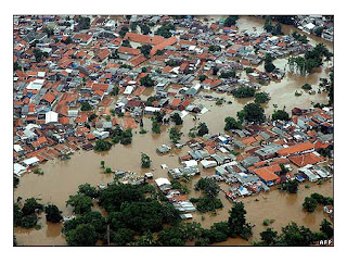 gambar banjir di jakarta