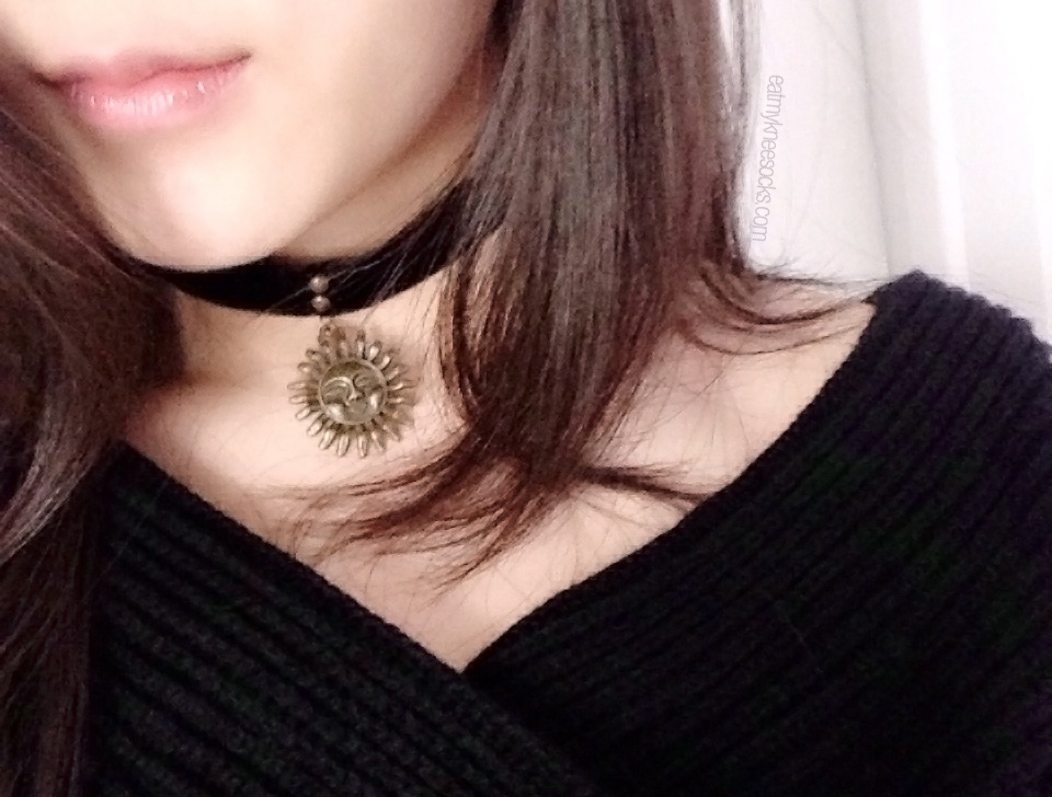 The black velvet sun choker from Born Pretty Store, modeled.