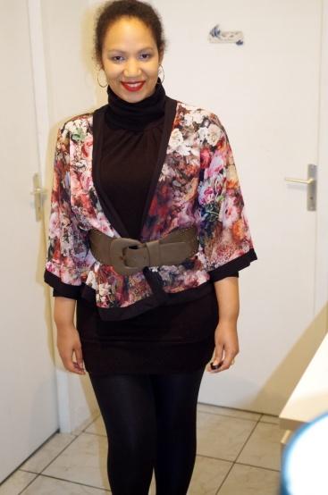 http://missflosochic.over-blog.com/2015/07/fashion-round-mon-joli-kimono.html