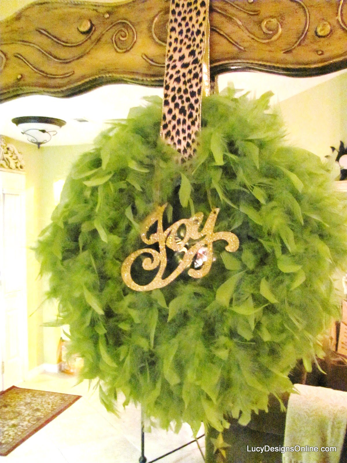 feather boa Christmas wreath