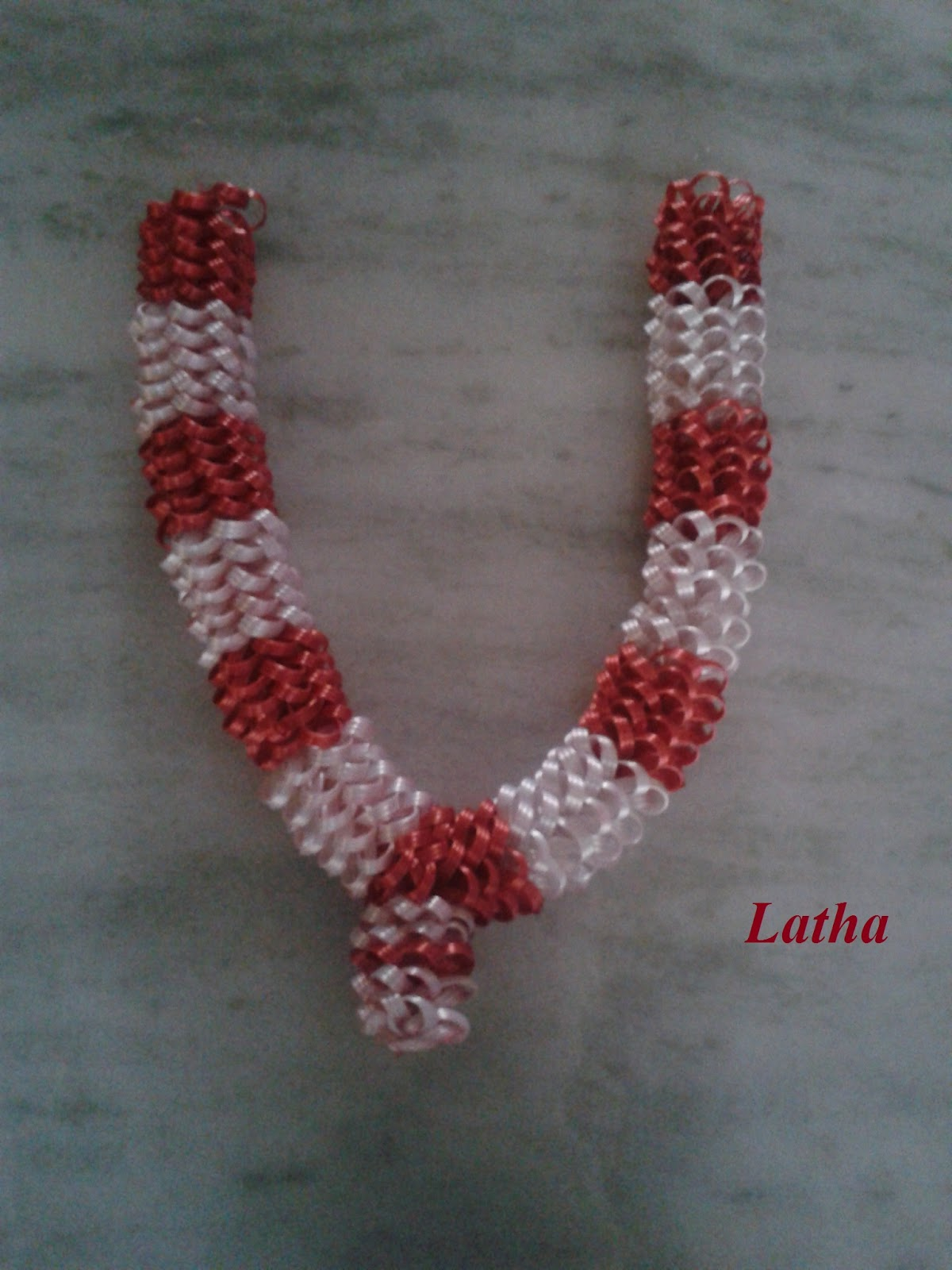 latha on crafts: swamy maalai with fish wire