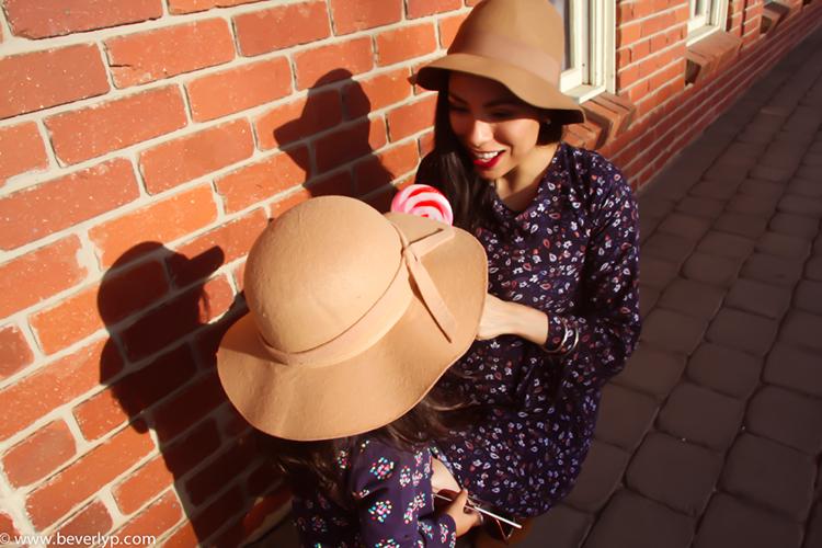 mama hija sombreros ala ancha