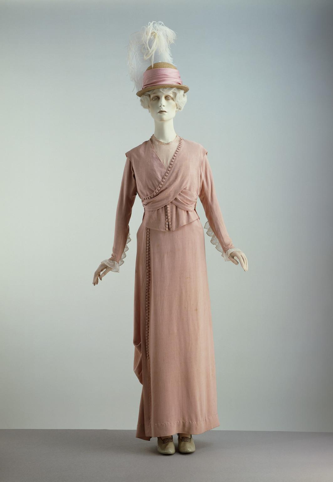 Fashion designers in 1910 52