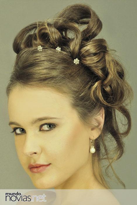 Peinados y accesorios con flores para novias Zankyou - Accesorios Para Peinados De Novia