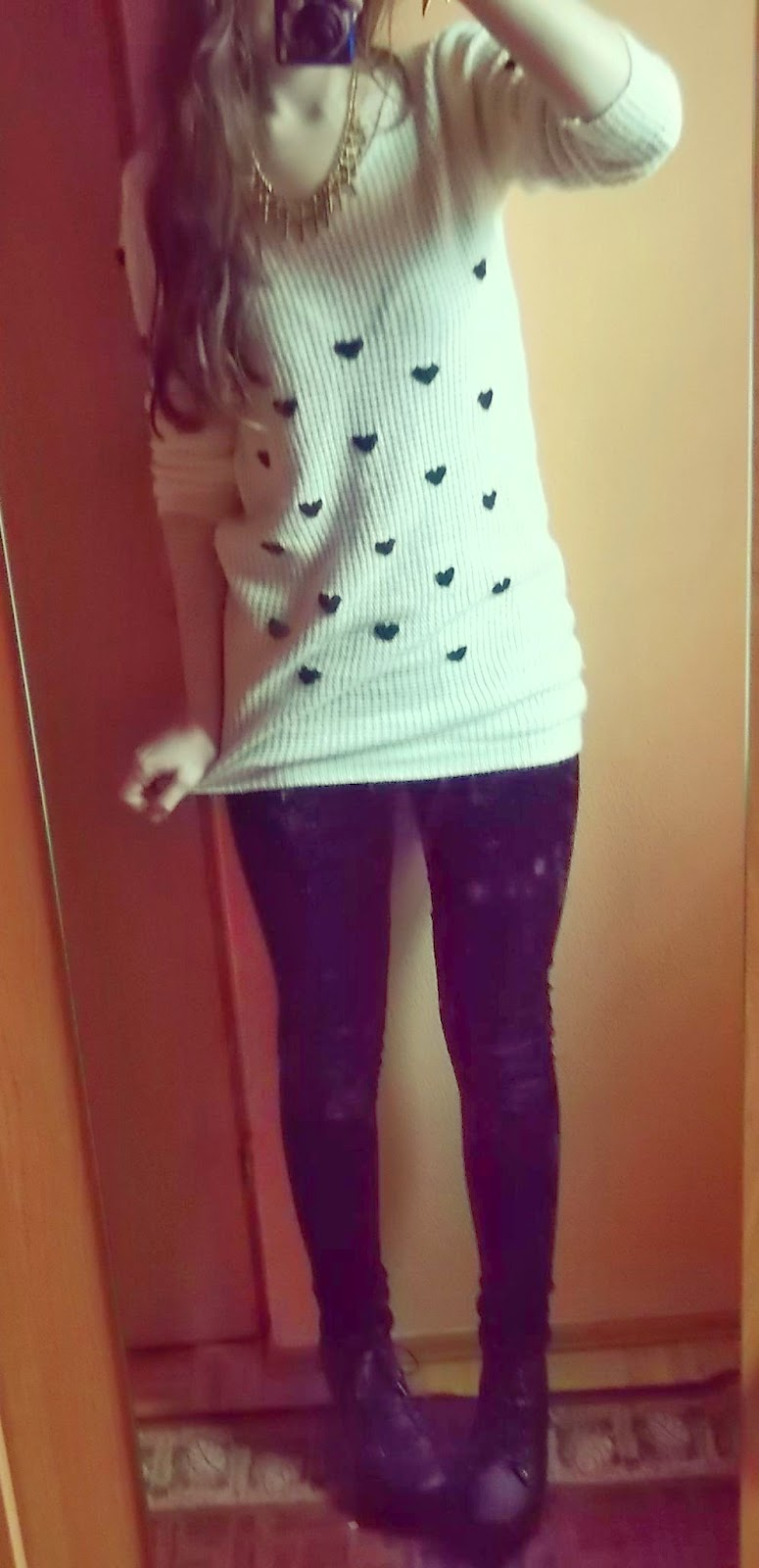 OOTD: sweterek w serduszka+legginsy welwetowe