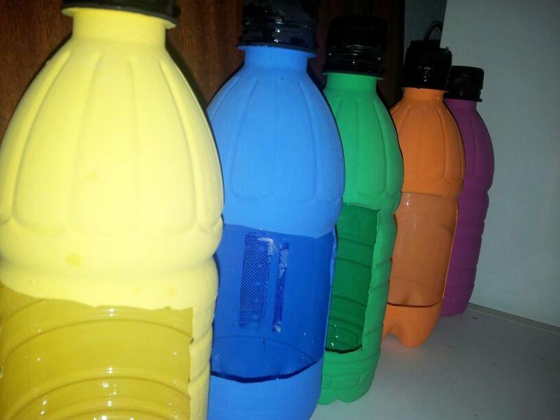 O caixon dos retais haz tu propio huerto vertical con - Pintar botellas de plastico ...