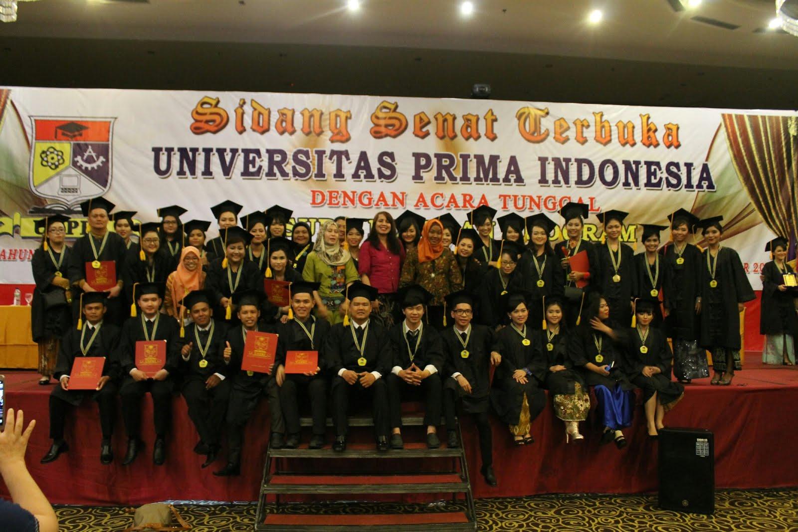 Foto wisuda dan wisudawati Alumni angkatan ke 5 jurusan Psikologi UNPRI