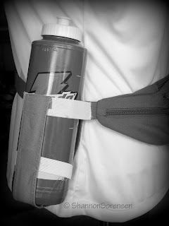 make a fanny pack with water bottle carriers