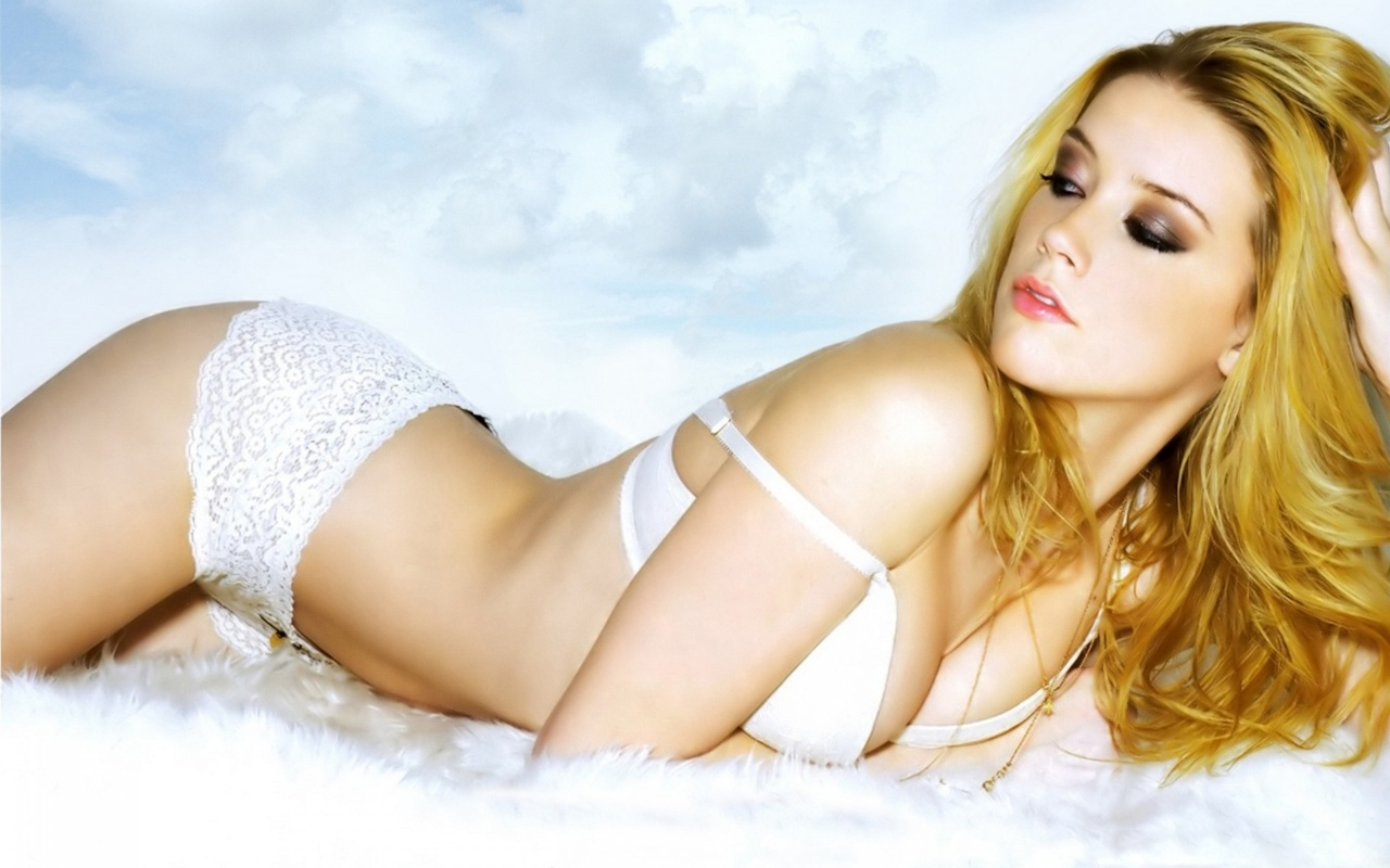 Amber Heard Hairstyles(04)