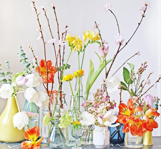 Buketter i mange vaser