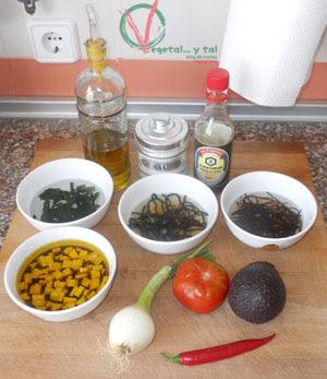Ingredientes de la ensalada tartar.