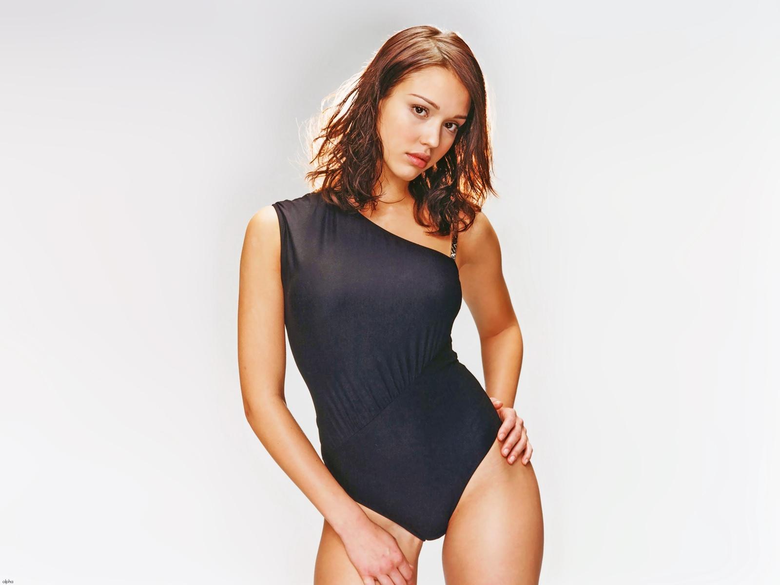 http://4.bp.blogspot.com/-St8Pb8Yzxsc/Tghi38lGnFI/AAAAAAAAJVI/ols-fmA6P6k/s1600/sploogeblog_jessica_alba_swimsuit_wallpaper.jpg