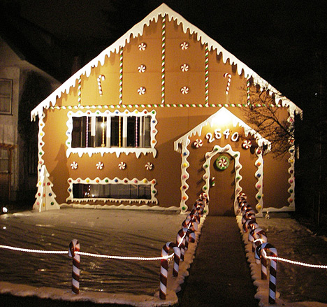How the hell does this work christmas decorations around - Christmas lights house ideas ...