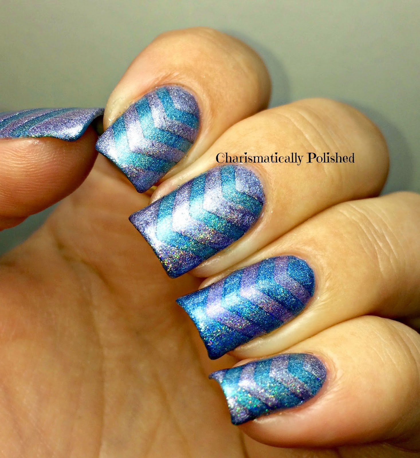 Nail-Vinyl-Chevron-design