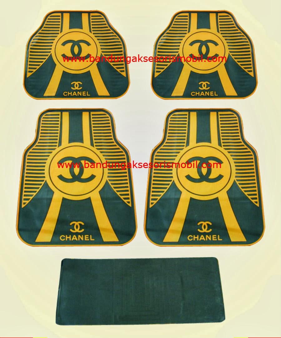Karpet Chanel Brown