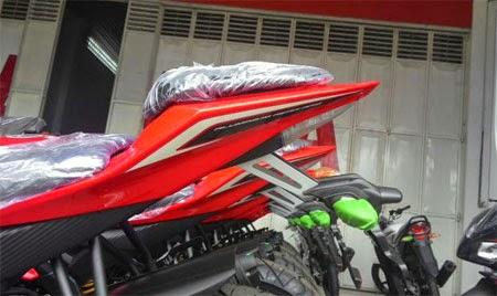 striping terbaru Yamaha R15