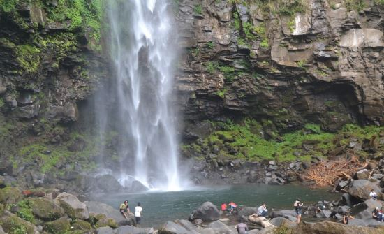 Curug cipendok wisata alam di purwokerto