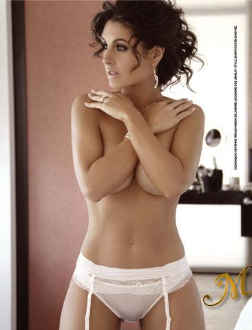 Mayrin Villanueva En Revista H Ba L De Los Recuerdos