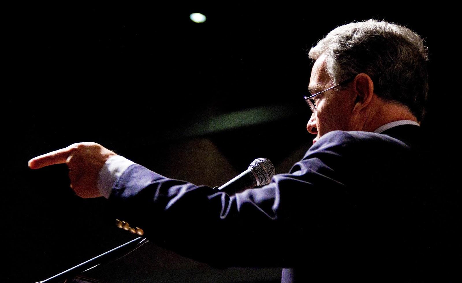 Presidente Álvaro Uribe Vélez