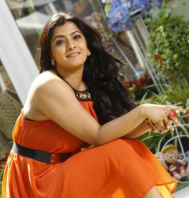 Varalaxmi Sarathkumar hot photos