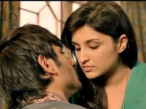 parineeti chopra shuddh desi romance wallpapers - Shuddh Desi Romance Movie Wallpapers IndiaGlitz