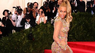 buongiornolink - Loren e Beyonce, simboli della postura perfetta