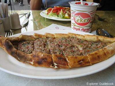 Makanan khas turki pide pizza turki
