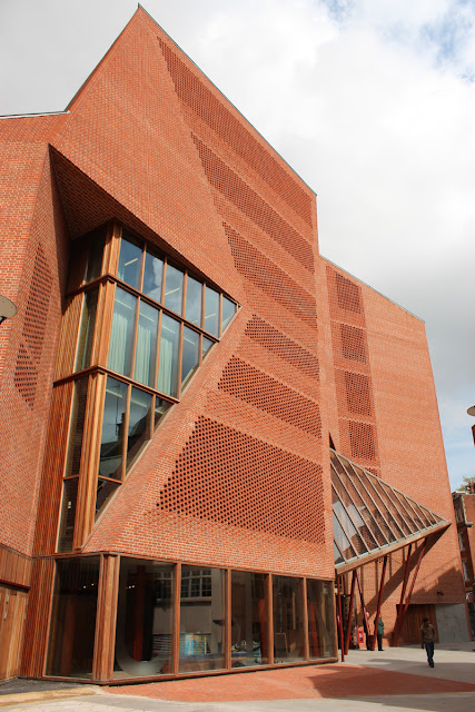 Saw Swee Hock Student Centre at LSE, London by O'Donnell + Tuomey Architects
