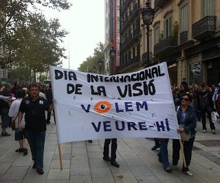 Una marcha reivindica en #BCN que se acabe com la 'ceguera evitable'