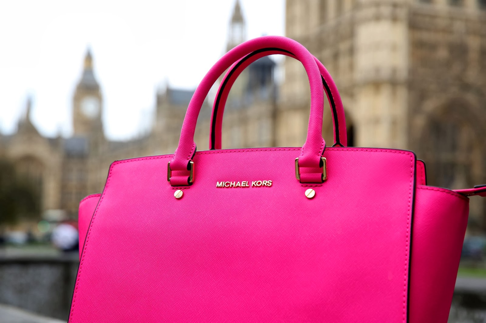 Michael Kors Selma Bag All Around the World - Fashion Trends