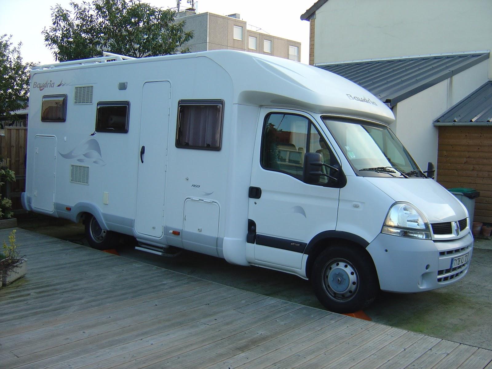 camping car bavaria r69 caract ristiques bavaria profil r69fg renault master 3l turbo. Black Bedroom Furniture Sets. Home Design Ideas